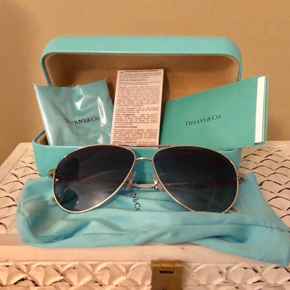 00ee9b511c60 Tiffany   Co Aviator Sunglasses New In Box
